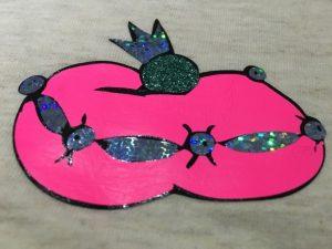Mehrfarbiger Plott: Verwendete Folien: Untergrund Schwarz, Neon Pink, Effektfolie Sparkle Silber, Glitzer Peppermint